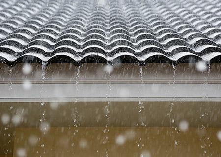 Daklekkage � lekkage aan uw dak opsporen en verhelpen